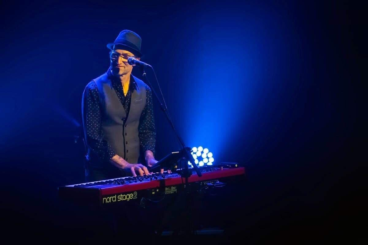 Steve Turner, keyboard player, with Live On Mars tour